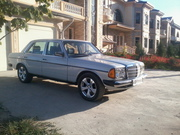 Продам срочно Mersedes-Benz (E 230 1985)